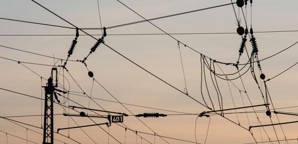 electrified railway catenary
